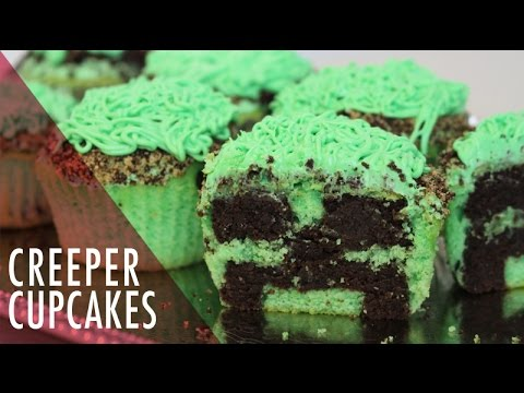 Minecraft Cupcakes with Creeper Inside. Tasty Delights